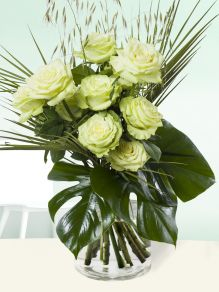 Green roses with wheatgrass – Camouflage