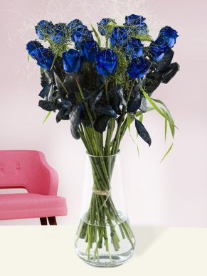 20 blue roses with panicum
